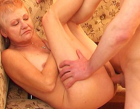 hot escorts vrouw neukt jongen